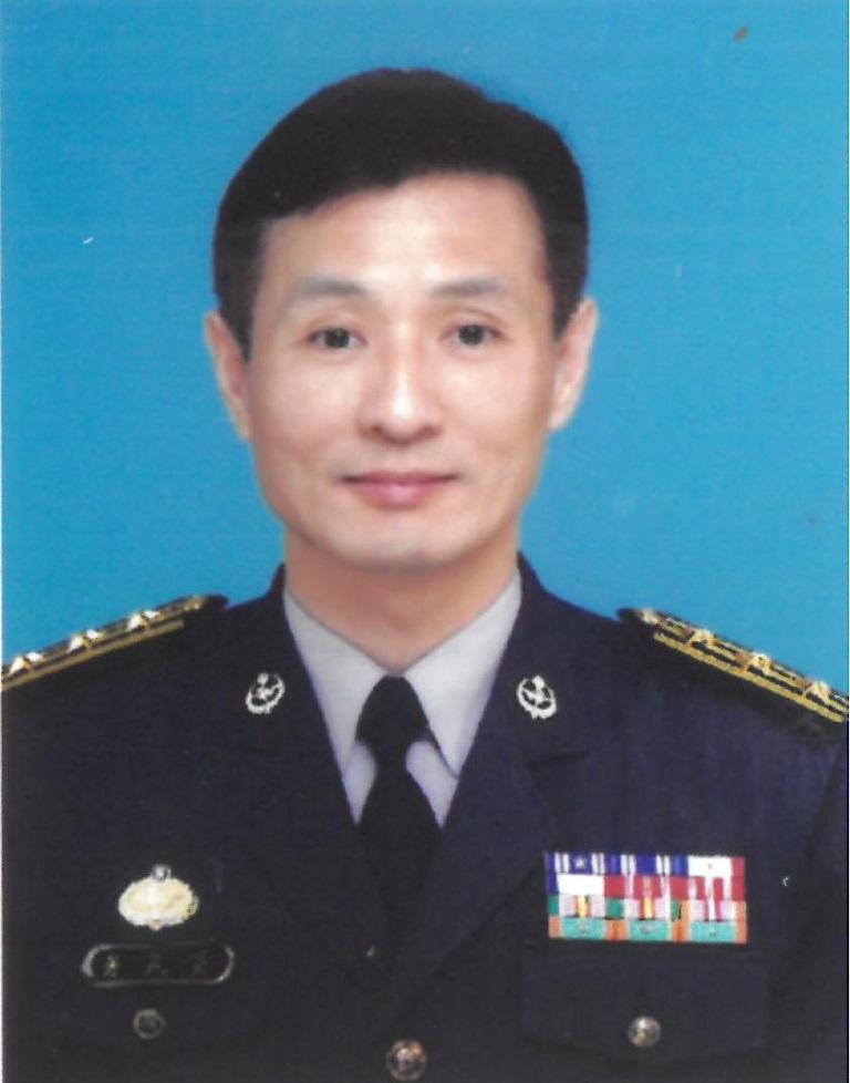 黃民芳先生照片